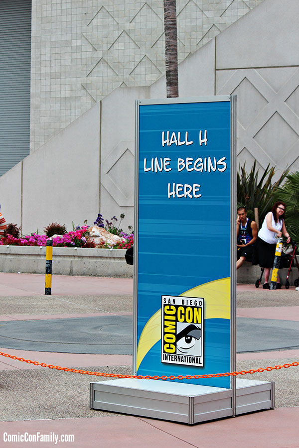 San-Deigo-Comic-Con-Hall-H-Line-Sign