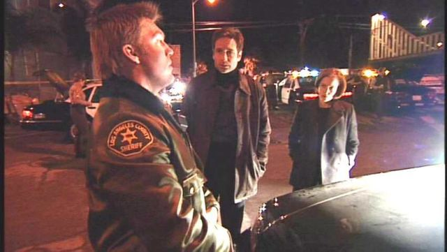 X-Files-X-Cops-7X12-the-x-files-9046038-852-480