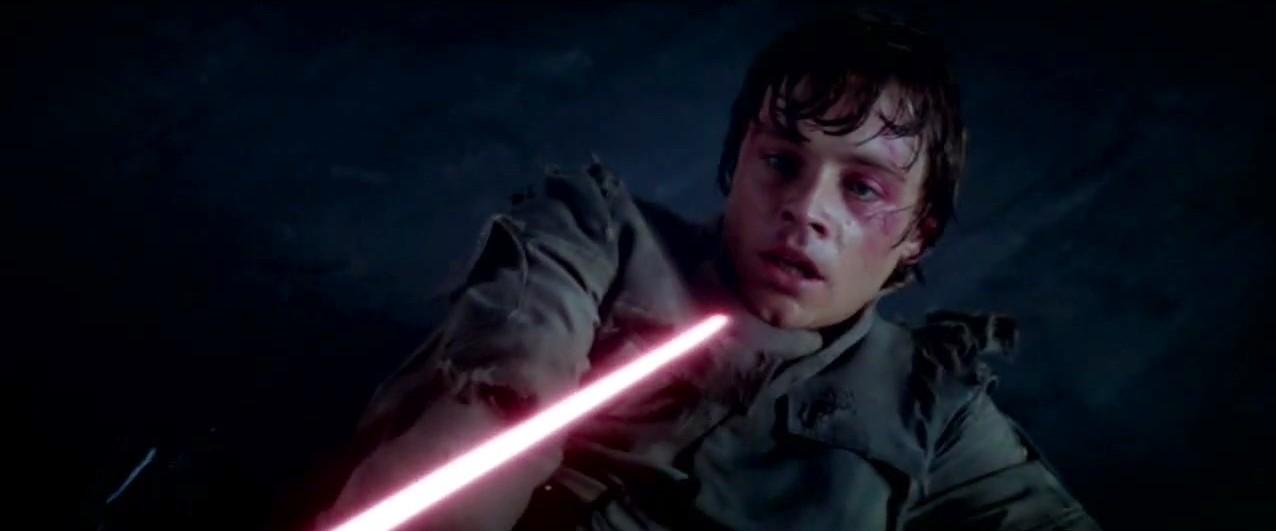 Le saviez-vous? Les cicatrices de Luke sont véritables. Si dans le film elles sont dues à l'attaque du Yéti, elles viennent en fait d'un accident de voiture de Mark Hamill... d'où l'intégration du film de la scène du Yéti !
