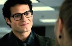Henry Cavill est Clark Kent