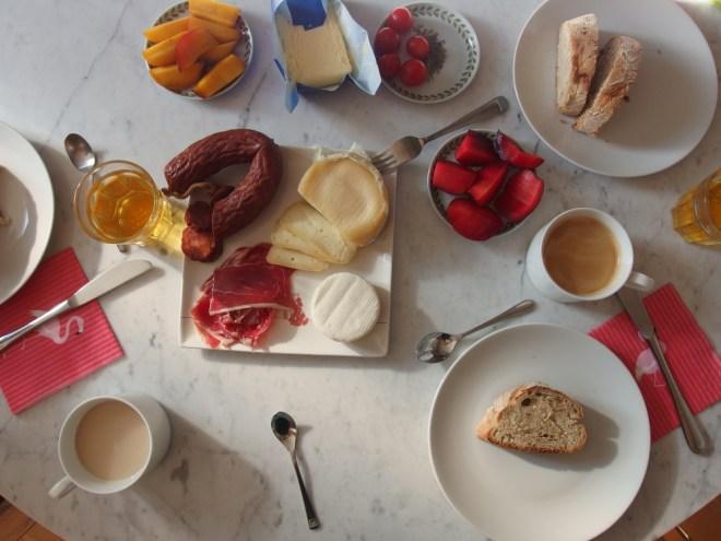 Frühstück! Pequeno Almoço!