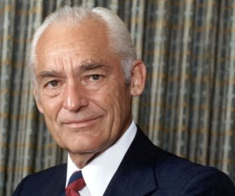sam-walton- Entrepreneurs Who Became Wealthy During Recession.
