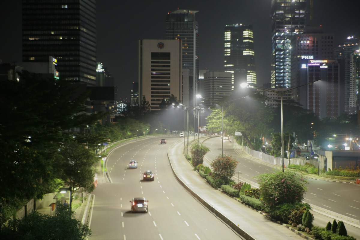 Philips Solar Verlichting Philips To Deploy 90,000 Connected Street Lights In