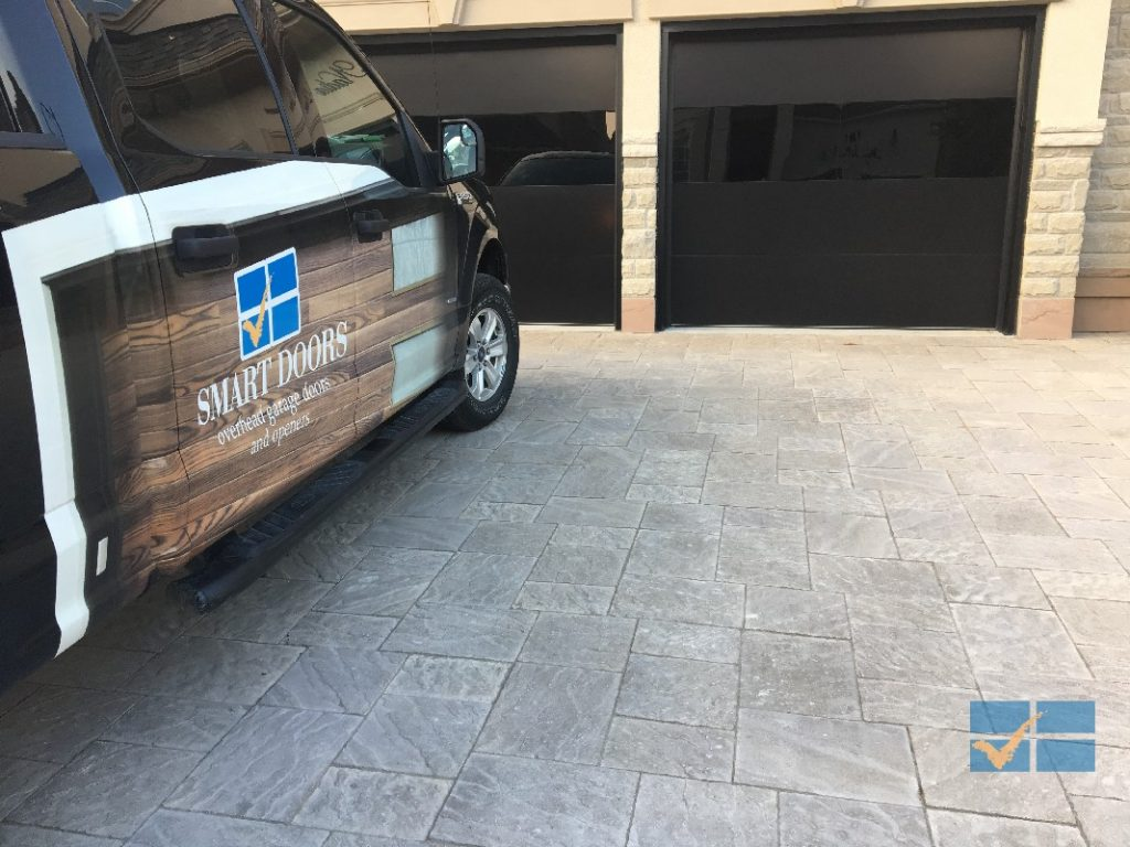 Maple Garage Doors Garage Door Repair And Maintenance Service In Toronto Vaughan