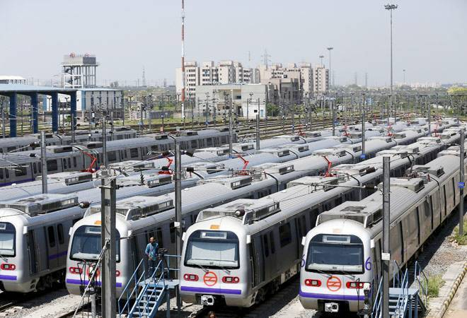 Delhi metro new ticket prices 5 to 12 kms Rs 20, 12 to 21 kms Rs 30
