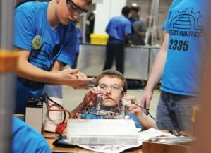 Video: Sargon Robotics 2012 Season