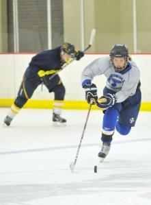 Junior Plays Girls Hockey