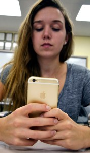 Students Receive Long Awaited iPhone 6