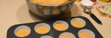 Two Girls, One Craft: Pumpkin Cupcakes
