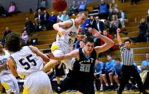 Gallery: Varsity Boys' Basketball vs. Olathe South