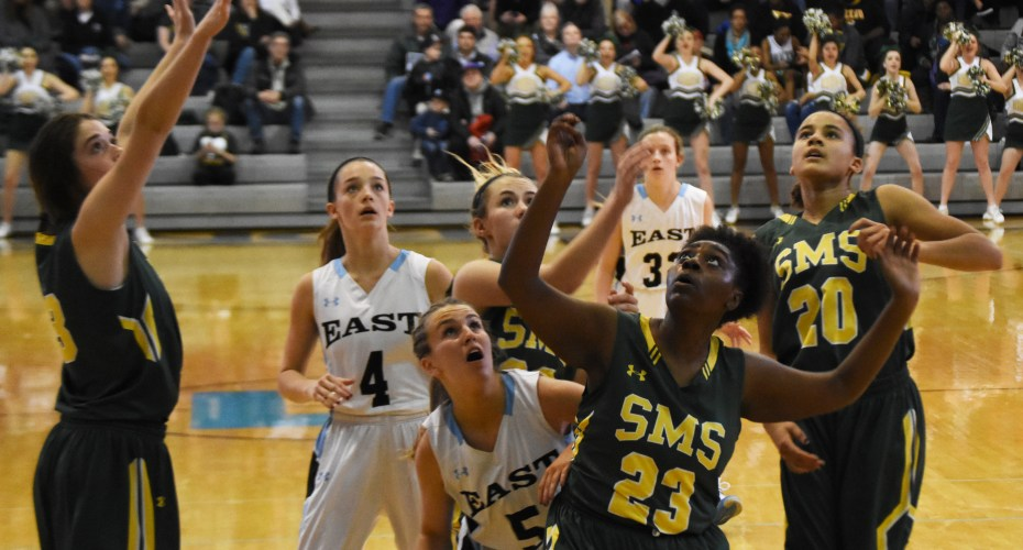 Gallery: Girls Varsity Basketball vs. Shawnee Mission South