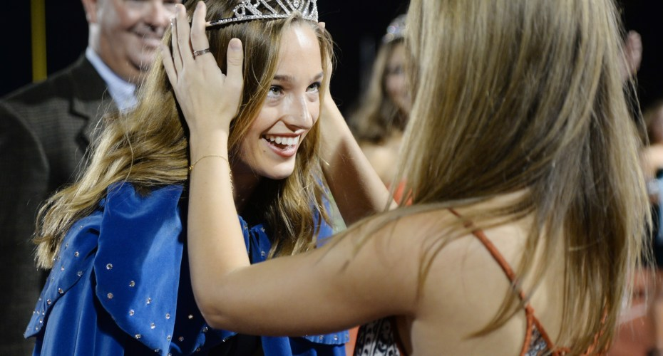 Gallery: Homecoming Football Game vs. Olathe North