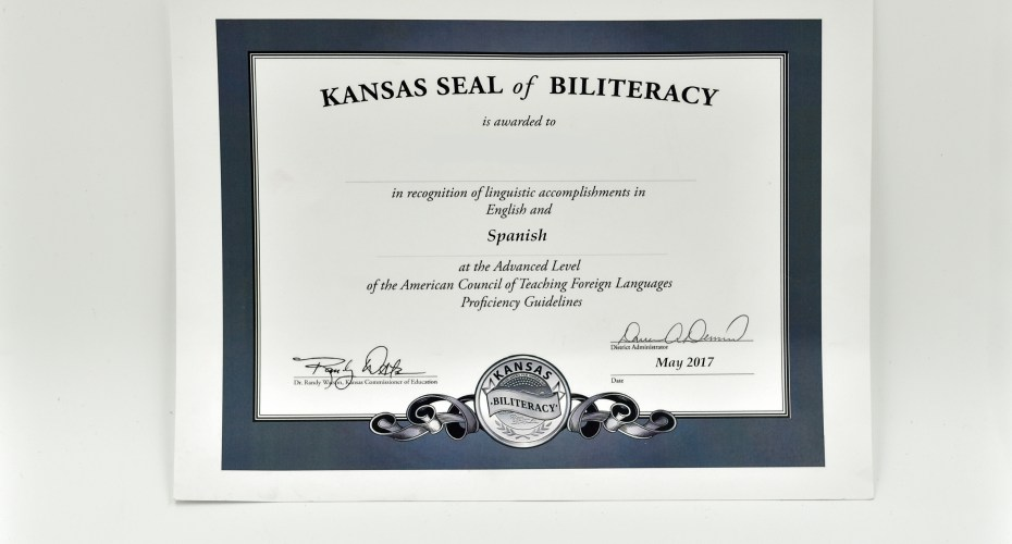 Bi-literacy Program Rewards Students for Learning a Foreign Language