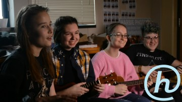 Blue Couch Session: Ukulele Club