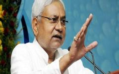 Shoe-Thrown-at-Nitish-Kumar-to-Protest-Liquor-Ban