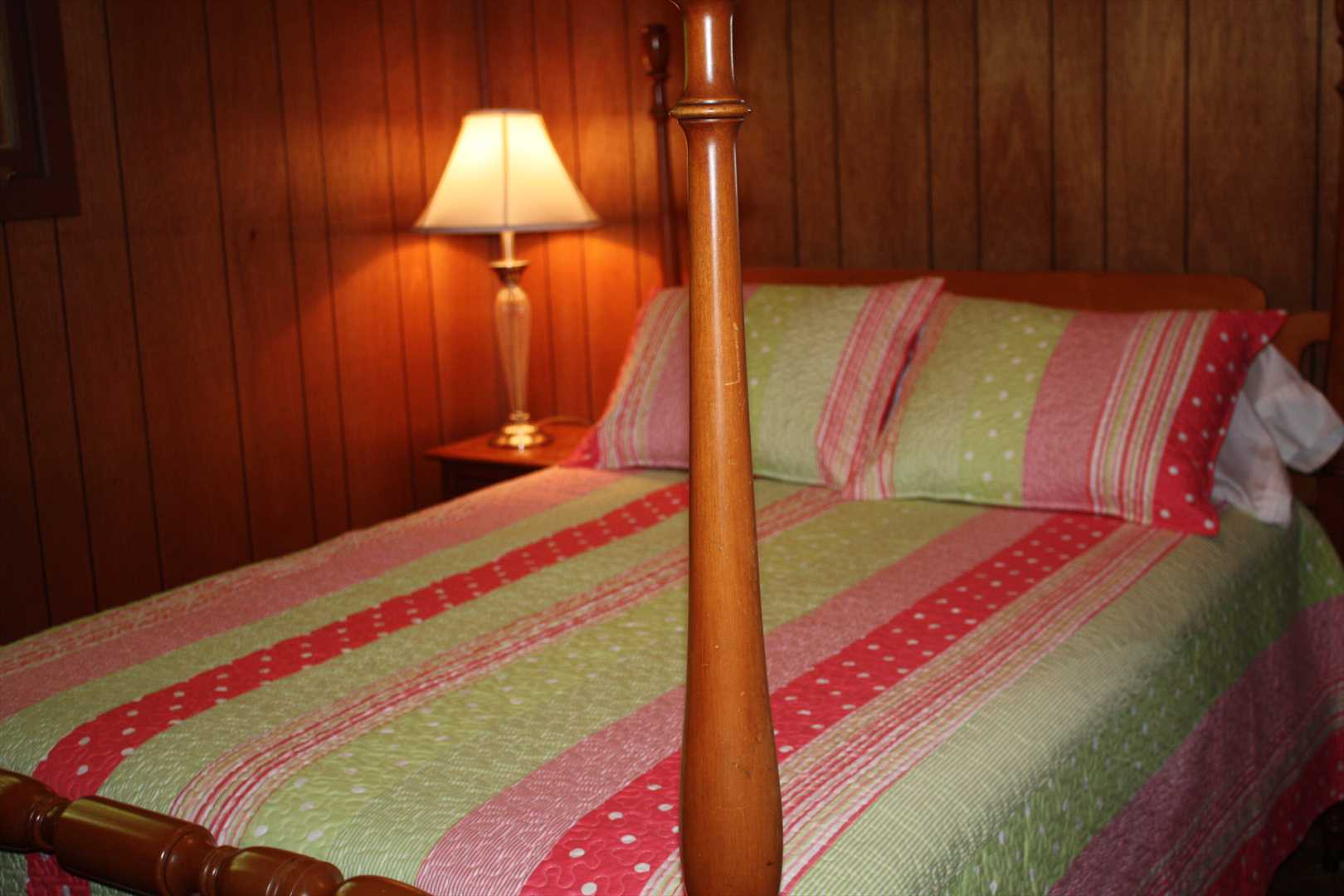 Classic Bedroom Escape Smith Lake Rentals Sales Escape To Rock Creek Classic Rustic