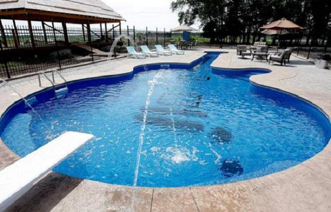 Gitarren Swimming Pool