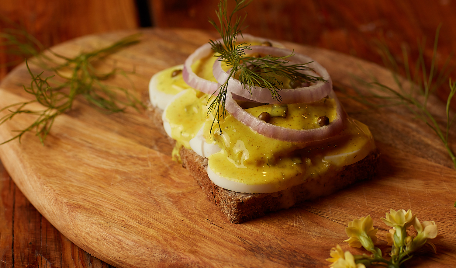 Canape Design Hawaii Skipper Curry Marinated Herring File With Egg And Red Onion