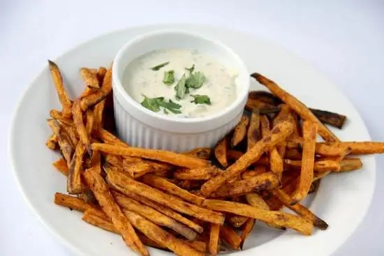 Caribbean Sweet Potato Baked Fries & Tangy Apricot Dipping Sauce Recipe | SnappyGourmet.com