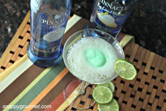 Key Lime Pie Fizztini Cocktail Recipe | SnappyGourmet.com