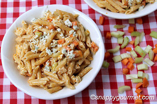 Buffalo Chicken Pasta Salad @ snappygourmet.com