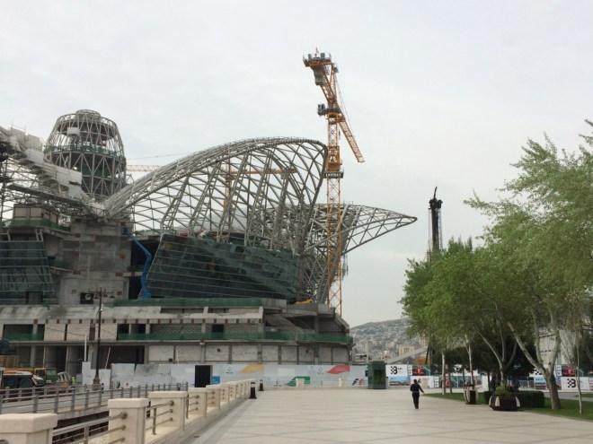 Baku shopping mall under construction