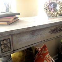 DIY: Table Upcycle & My First Annie Sloan Experience