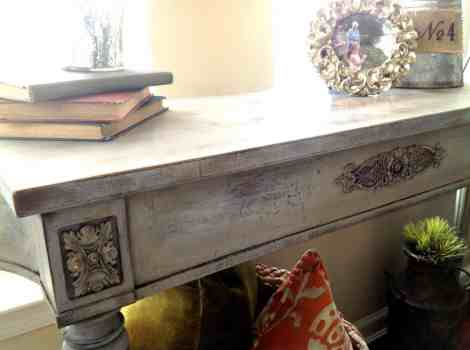 Annie Sloan Chalk Paint DIY Table