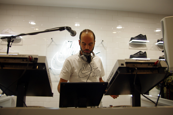 Photo14 - Interview with Bobbito Garcia & Kevin Couliau at NIKE AIR FORCE 1 THE PIVOT POINT
