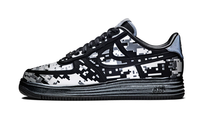 """Photo04 - NIKE AIR FORCE ONE PRESENTS """"ONE OF THE ONES"""""""