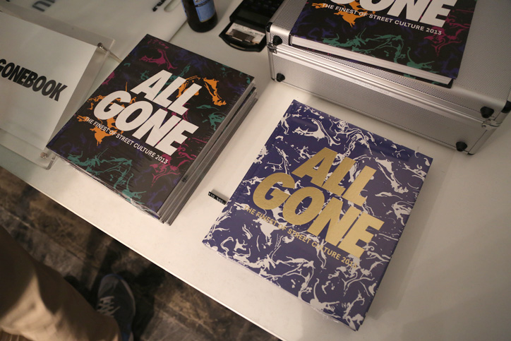 Photo09 - 「ALL GONE」BOOK SIGNING EVENT Recap