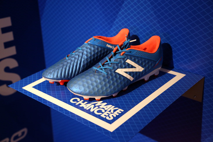 Photo06 - マンチェスター・ユナイテッド所属のマルアン・フェライーニ選手を招いた New Balance FOOTBALL 2015FW BOOTS REVEAL PARTY が開催