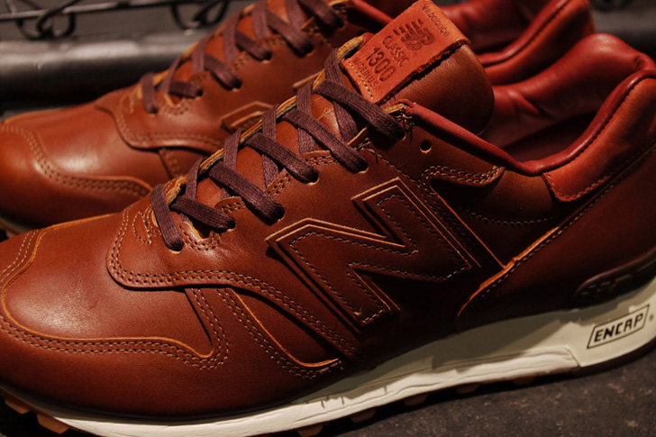 "Photo04 - 1905年創業の老舗タンナーHORWEEN社のプレミアムレザーを採用した、New Balance M1300CL ""made in U.S.A.""が登場"