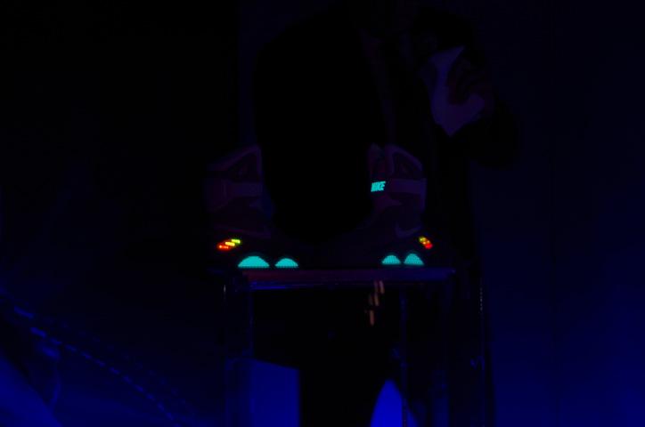 Photo07 - 「2011 NIKE MAG」オークション