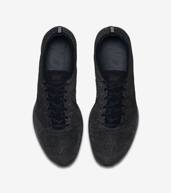 nike-flyknit-racer-triple-black-midnight03