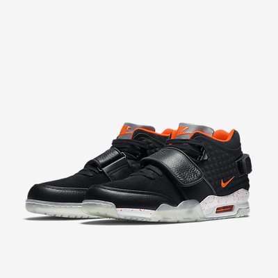 NIKE_AIR_TRAINER_CRUZ_PRM_01.jpg