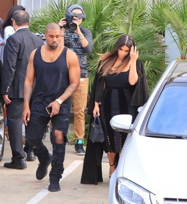 kanye-west-all-black-yeezy-boost-2.jpg