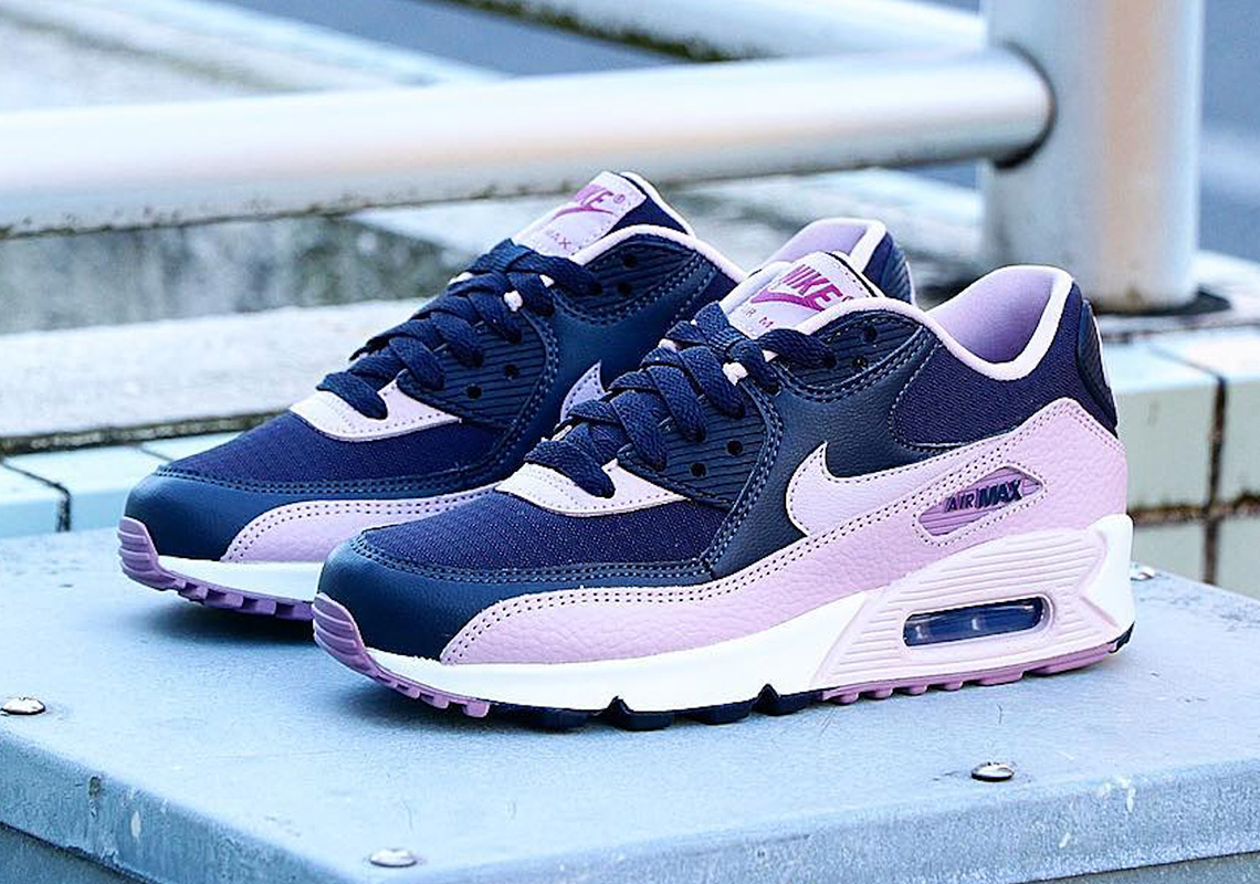 Nike Air Max 90 Wmns Plum 325213 059 Info Sneakernews Com
