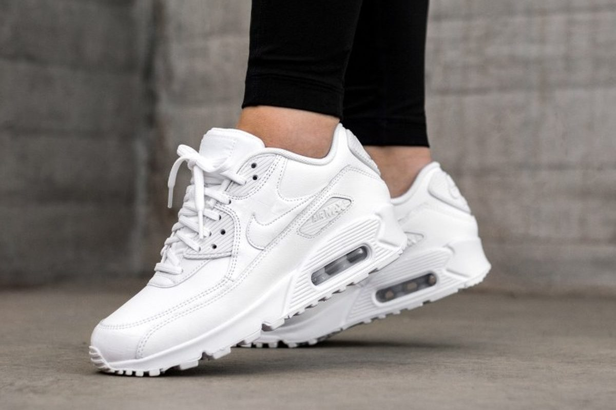Witte Schoenen Dames ᐅ Top 10 Witte Sneakers Dames Quotall White Quot 2019 Foto