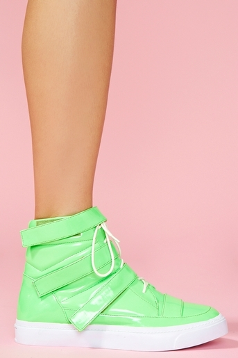 Hightop_platform_sneaker_nasty_gal