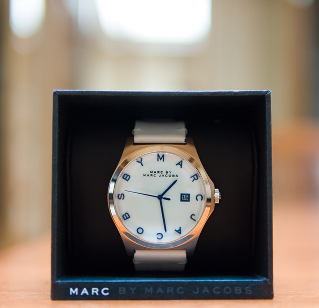 MARC BY MARC JACOBS White Leather Strap Watch with blue dials