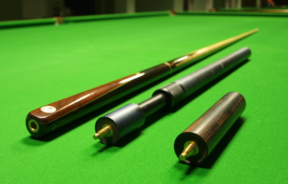 Snooker_cue_and_extensions