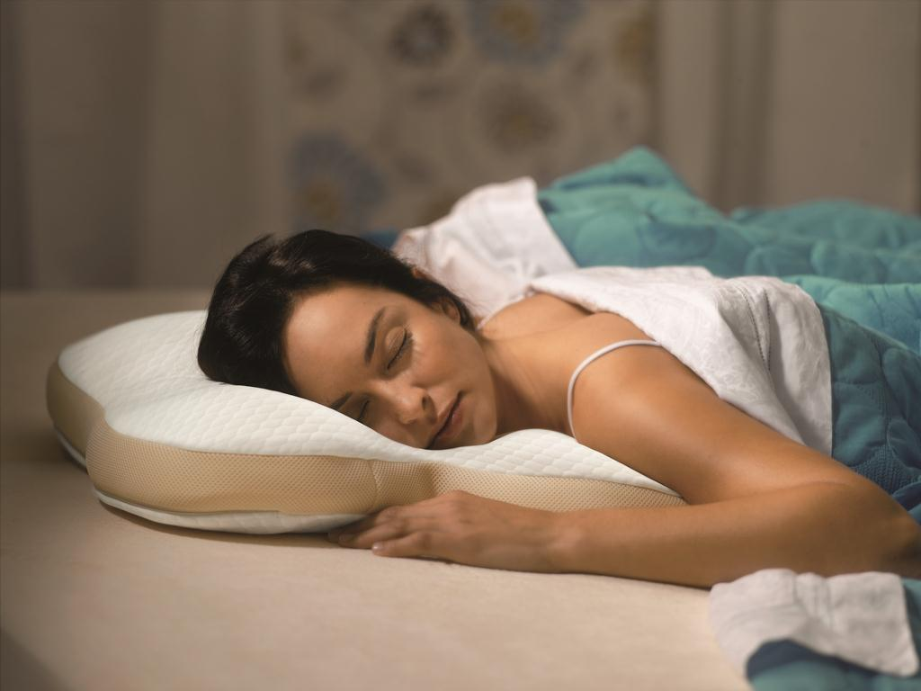 Best Pillow For Sleeping On Your Back The Best Pillow For Stomach Sleepers In 2019 Snoremagazine