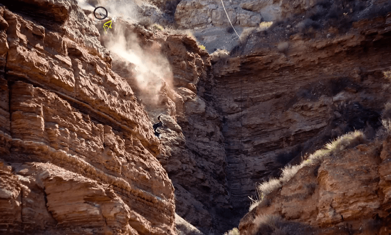Fall Horse Wallpaper Cycle Sunday The Crash Of A Lifetime At Red Bull Rampage