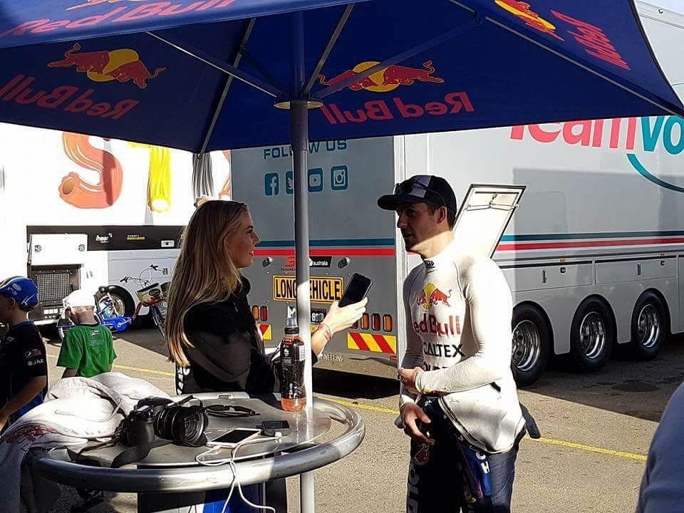 Kezia Dawn - Interviewing Jamie Whincup for Ballin\u0027 on a Budget TV