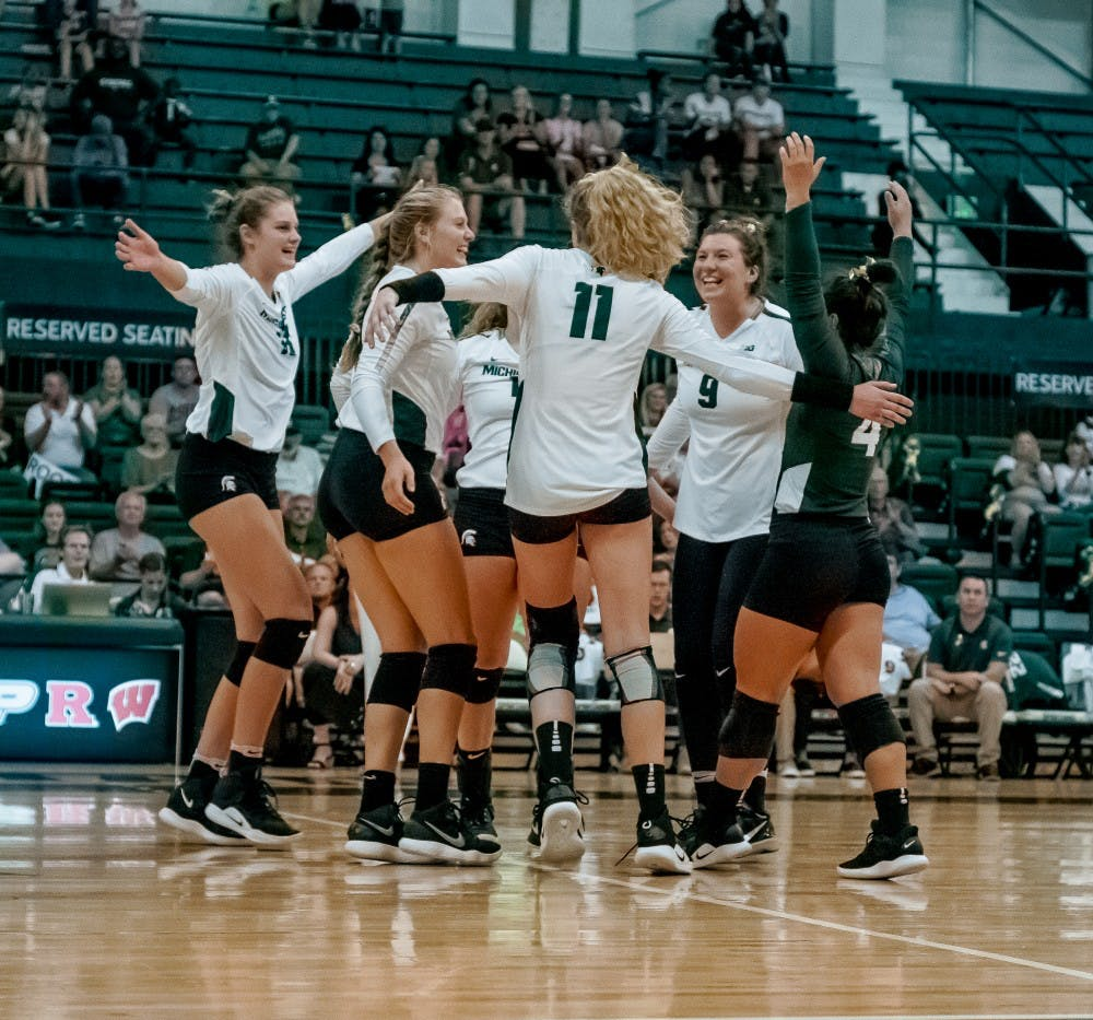 Garage Games Invitational Msu Volleyball Sweeps Albany To Kick Off Spartan Invitational