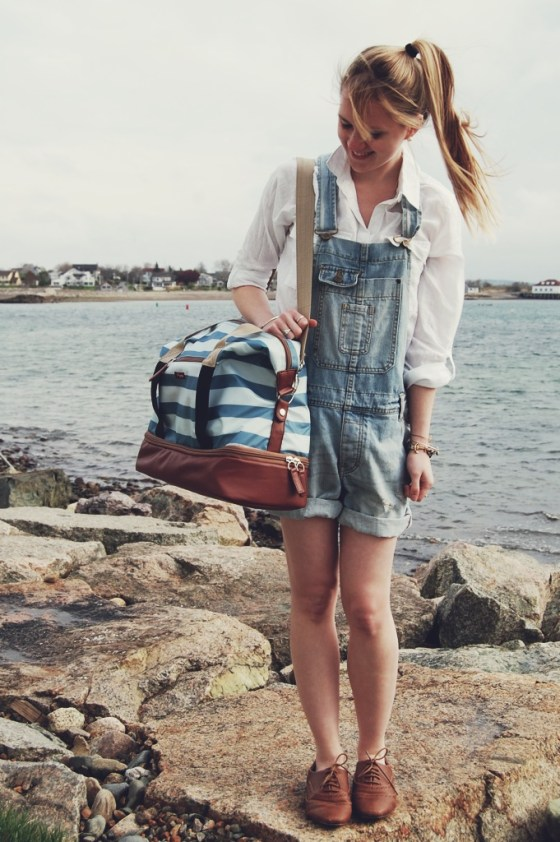 preppy blue striped duffel bag
