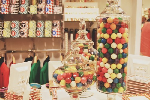 bubble gum ball party decorations
