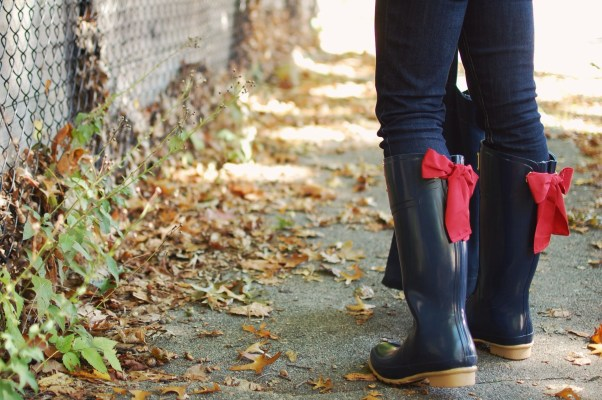 Navy Bow Wellies