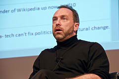 Apple-Threatens-Open-Web-Wikipedia-Founder